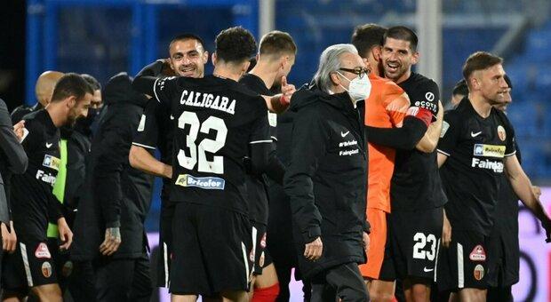 Serie B, l'Ascoli rimonta la Spal e riprende il Pordenone. Sottil merita la salvezza