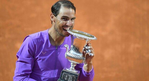 Internazionali Bnl d'Italia, Nadal è campione per la 10a volta: battuto Djokovic 7-5 1-6 6-3