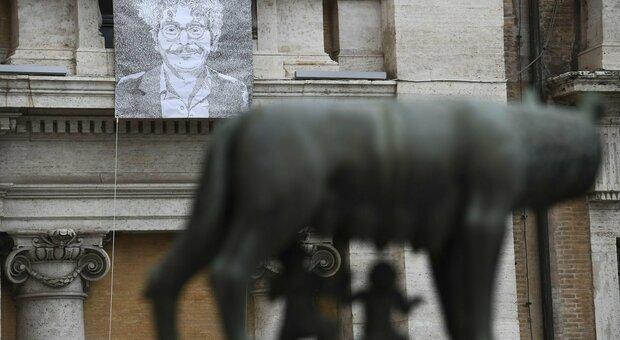 Dal Campidoglio sostegno a Zaki il suo ritratto esposto per 30 giorni