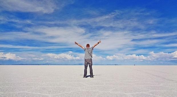 Dall'aurora boreale al deserto di sale: viaggi unici da fare almeno una volta nella vita