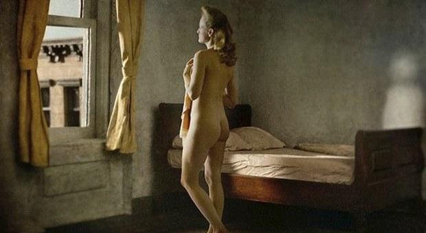 Tuschman omaggia il pittore Hopper con fantastiche foto che riproducono celebri dipinti