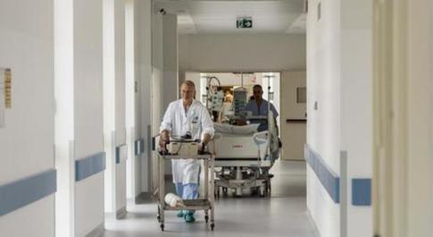 Meningite, bimba di 6 anni muore all'ospedale di Parma: tampone per parenti, insegnanti e compagni di classe