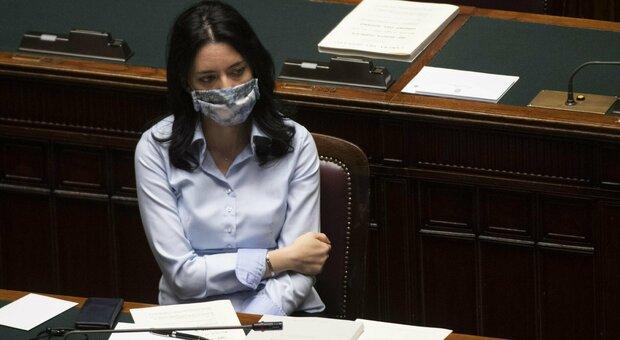 Scuole Puglia chiuse, Azzolina ad Emiliano: «Riaprirle subito». Il Governatore: «Mia prerogativa chiuderle»