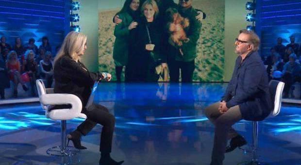 Christian De Sica a Domenica In: «Mio fratello mi manca, ma la perdita più dolorosa è stata quella di mia madre»