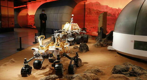 """Marte, tre sonde in arrivo in dieci giorni: dai cinesi agli arabi, il perché di questo """"assembramento"""" spaziale"""