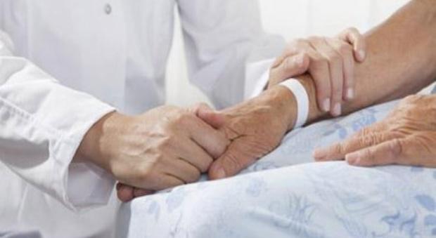 Olanda, estendere l'eutanasia a chi non ha gravi problemi di salute