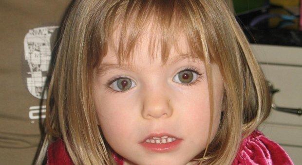 Maddie, la testimone a Chi l'ha Visto: «Brueckner disse che i bambini si possono uccidere». Spunta la prova della saliva