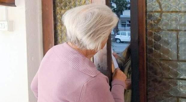 Truffe agli anziani, pene più severe: fino a sei anni e multa di 2mila euro