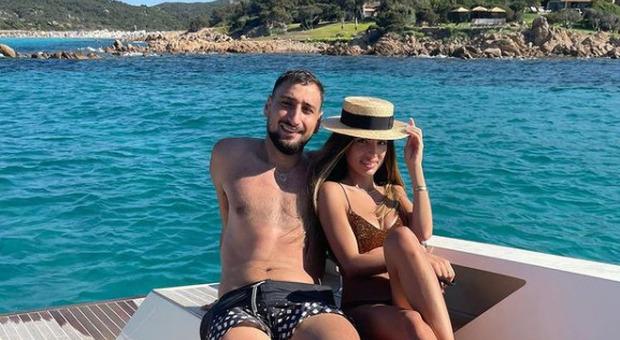 Gigio Donnarumma, fuga d'amore in Sardegna: le vacanze con Alessia Elefante