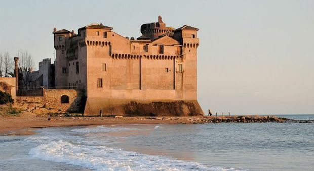 Santa Severa, nel 2100 il Castello sarà circondato dal mare