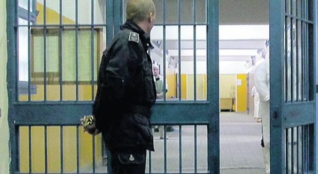 Allievo agente di polizia penitenziaria si toglie la vita nella sua abitazione: studiava a Sulmona
