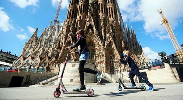Barcellona, verso un nuovo lockdown: «Restate nelle abitazioni»