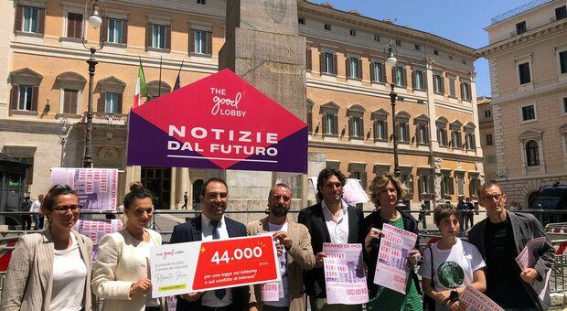 Uno scorcio della manifestazione di stamane a Montecitorio
