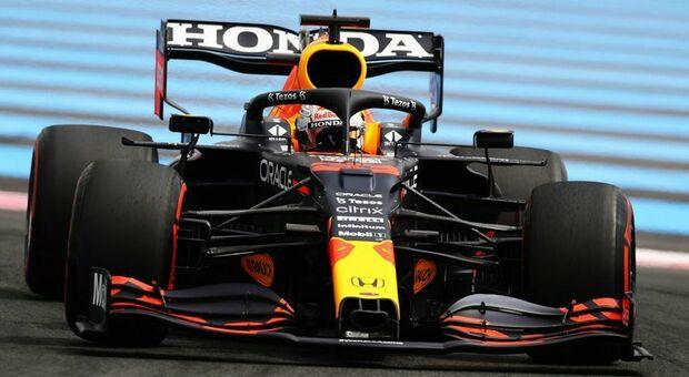 Max Verstappen con la Red Bull in pole al Paul Ricard del Le Casrellet
