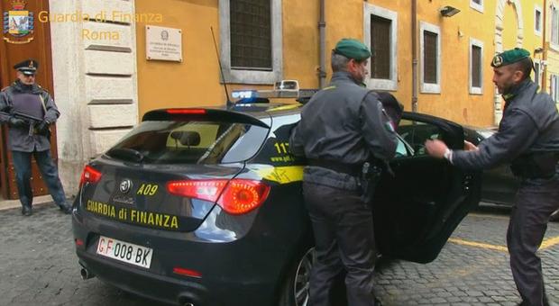 Blitz della Finanza: arresti e sequestri di beni, in manette l'imprenditore Mazzoni