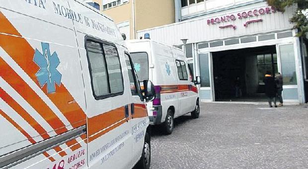 Roma, travolto da un furgone pirata: muore 40enne alla Bufalotta