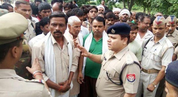 India, decapita un uomo e fa a pezzi la moglie per un debito di 22 centesimi