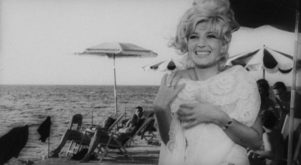 Monica Vitti compie 89 anni: da Antonioni a Sordi, una vita per il cinema