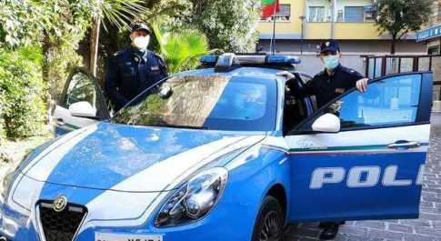 Caricata su un furgone e rapita a Pescara: liberata a Gorizia dalla polizia. Arrestati i due sequestratori