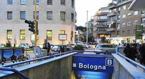 Roma, pestato sulla metro B: è in fin di vita