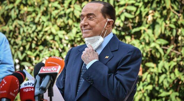 Berlusconi: «I medici mi vietano gli eventi pubblici ma sono ancora in campo e intendo rimanerci»