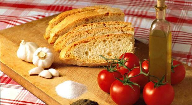 Cibi, salute e portafoglio: con la dieta mediterranea si risparmiano 7 euro a settimana