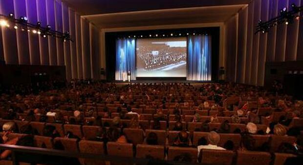 I Papaboys organizzano una messa al Festival del Cinema a Venezia per attori, registi e comparse
