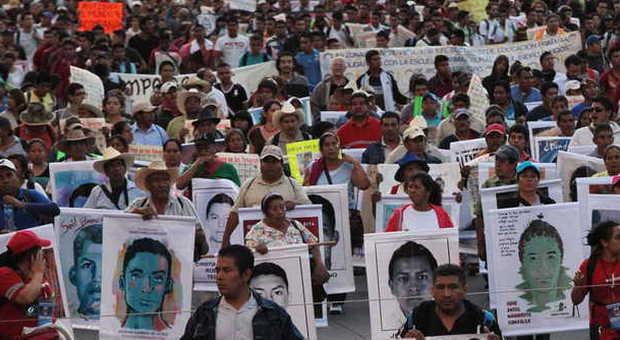Messico, uccisi e bruciati i 43 studenti scomparsi: 3 narcos confessano