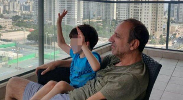 Eitan, «Gli stanno facendo il lavaggio del cervello»: l'accusa dello zio Hagai Biran