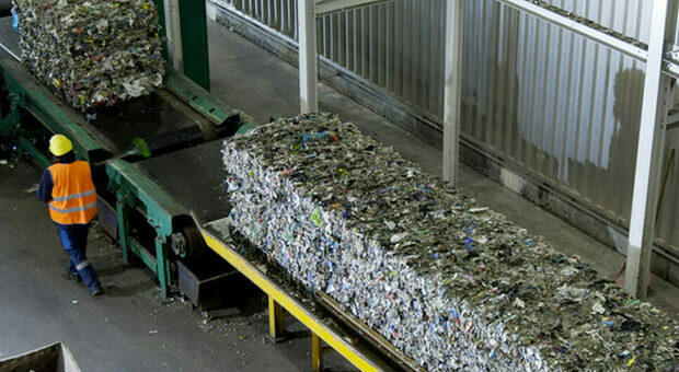 Rifiuti, tutti a Viterbo: 500 tonnellate al giorno da Roma, Frosinone e Latina fino al 31 luglio