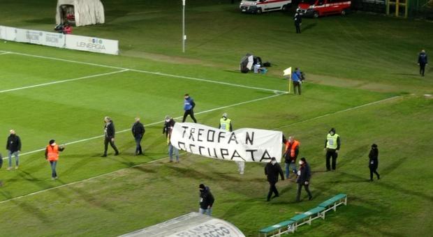 Ternana devastante, rifila cinque gol alla Casertana. Allungo sulla Bari