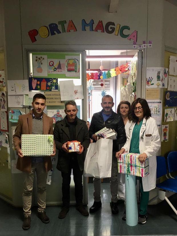 La Pro Loco Frattuccia dona giochi e materiale didattico ai bambini del reparto di Pediatria di Terni
