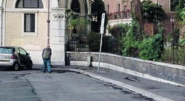 Roma, degrado e paura: Colle Oppio la terra di nessuno
