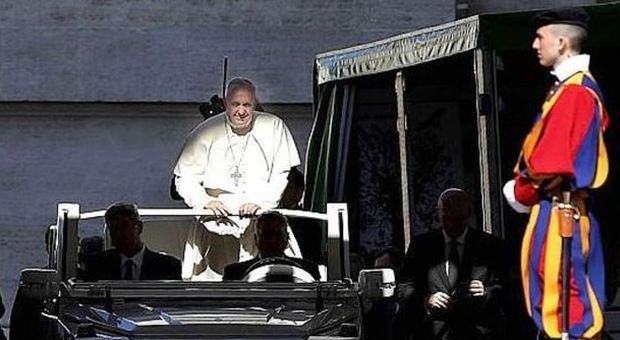 Pedofilia, il Papa: tribunale in Vaticano per i vescovi che coprono gli abusi sessuali