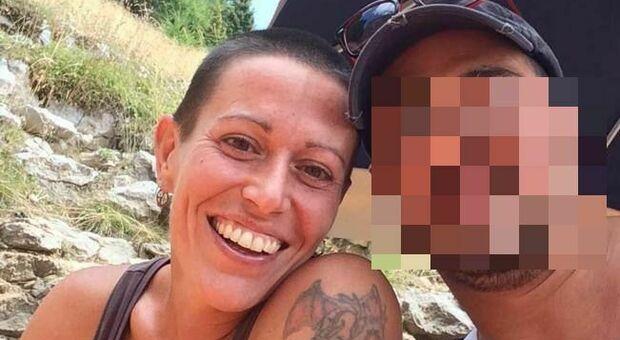 Trento, uccide l'ex moglie con un'accetta e poi tenta il suicidio: l'uomo era agli arresti domiciliari per violenze