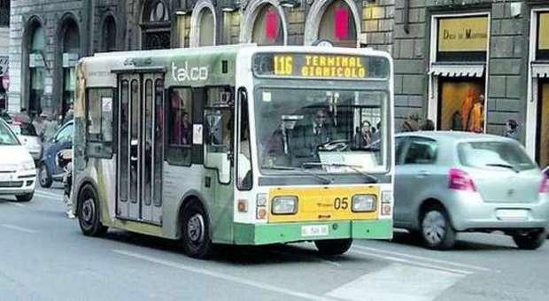 Orari ridotti e linee soppresse il Centro perde i bus elettrici