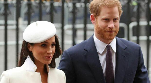 Meghan e Harry presentano il conto ai tabloid inglesi: risarcimento da 750.000 sterline e scuse pubbliche