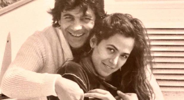 Barbara D'Urso, la foto amarcord con il padre dei suoi figli. Ma i fan notano un dettaglio: «Com'è possibile?»
