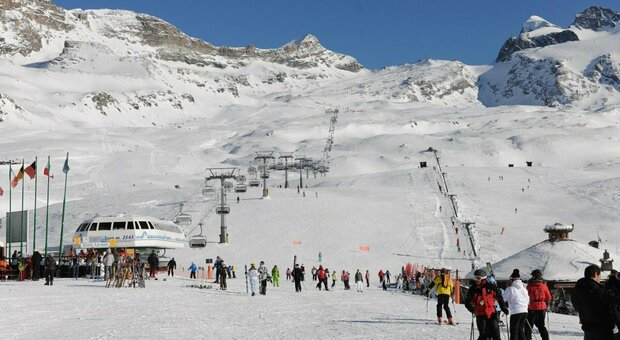 Valle d'Aosta, proroga aperture contestate dal governo: ipotesi apertura sci per atleti