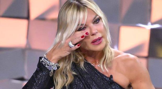 Matilde Brandi in lacrime a Verissimo: «Non gli ho fatto neanche il funerale». Silvia Toffanin si commuove (social Verissimo)