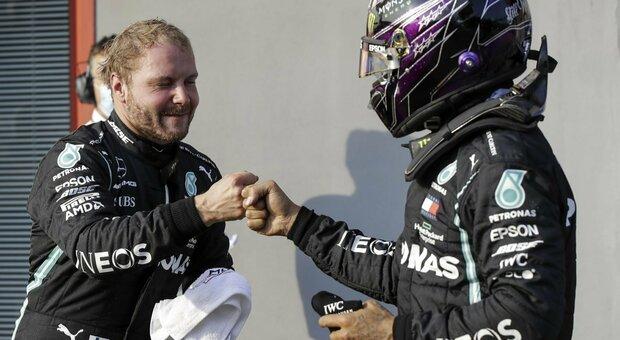 Formula 1, Bottas nega ad Hamilton la pole numero 100. Quinto Sainz, solo ottavo Leclerc