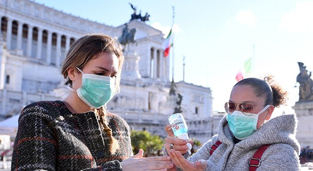 Coronavirus, fase 2, Roma e Lazio ripartono così: orari lunghi per bus e metro, set cinematografici blindati