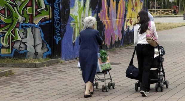 Istat, 116 mila residenti in meno in Italia nel 2020: mai così poche nascite