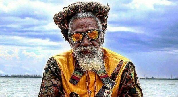 Morto Bunny Wailer, leggenda del raggae: suonò con Bob Marley e Peter Tosh