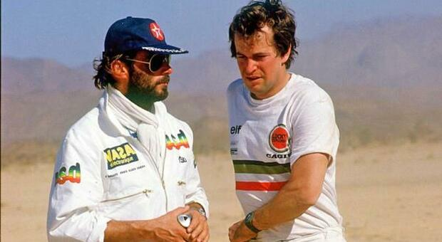 L'inventore della Dakar Thierry Sabine (a sinistra) con Hubert Auriol quando correva per la Cagiva
