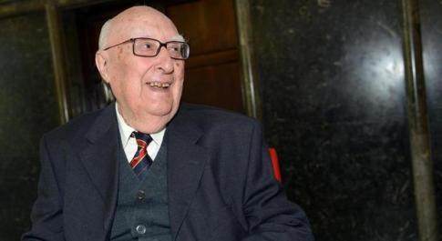 Morto Camilleri, era diventato cieco: «Ho perso la vista, ma ora ricordo più cose»