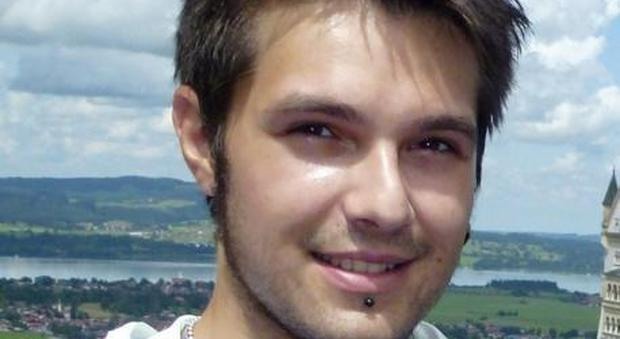 Stroncato da virus a Ibiza: Mauro ha lottato per due mesi, poi la resa