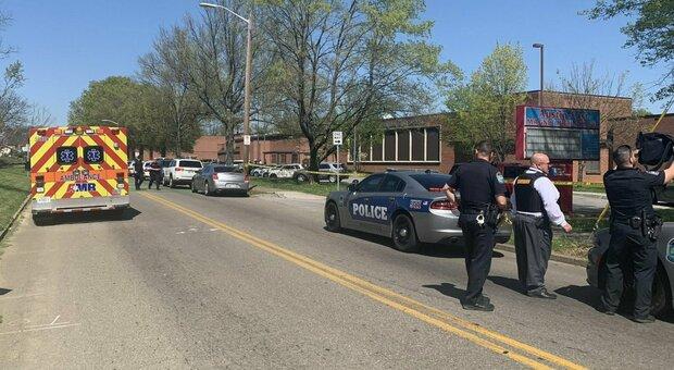 Usa, morto uno studente in una sparatoria in un liceo del Tennessee: un agente ferito
