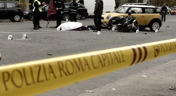 Roma, scontro moto-auto sul Lungotevere: muore un centauro di 62 anni