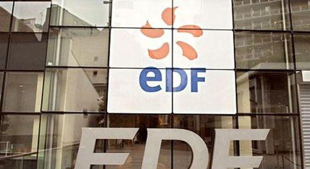 EDF taglia le stime sugli utili. Titolo a picco a Parigi